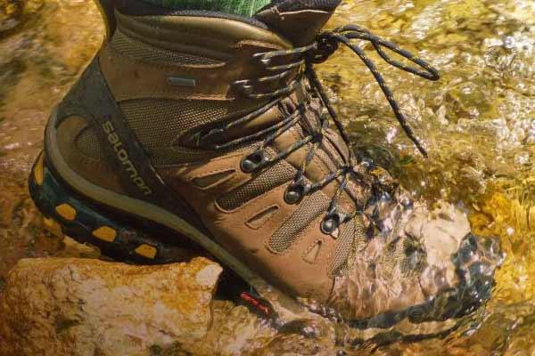 travel-footwear