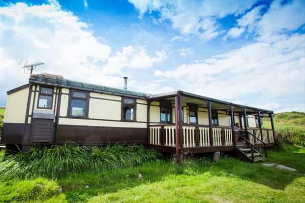 uk-travel-accommodation
